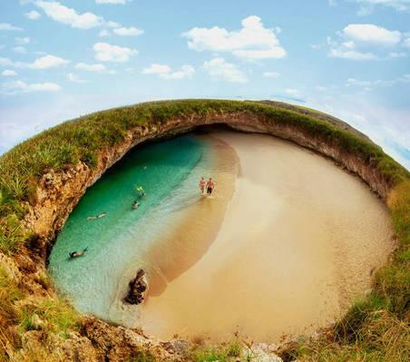 ТОП 10 самых необычных пляжей мира