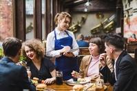 Официанты в США